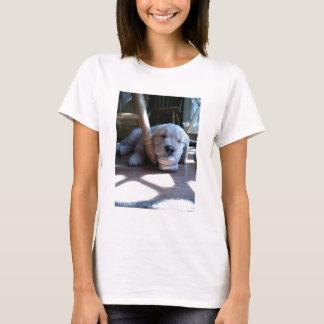 Schlafengolden retriever-Welpe T-Shirt