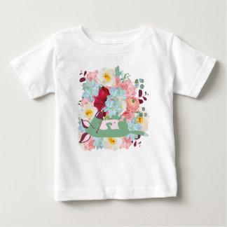 Schlafenhund mit Blumen Baby T-shirt