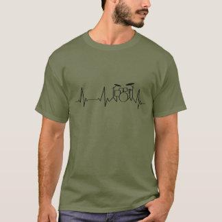 Schlagende Trommeln des Schlagzeuger-Herzschlag-| T-Shirt