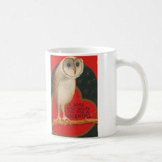 Schleiereule-Herz-Baum spielt Valentinsgruß die Kaffeetasse