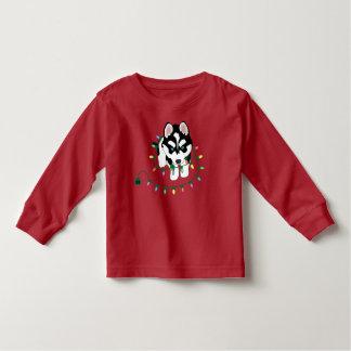 Schlittenhund mit Weihnachtsstrickjacke Kleinkind T-shirt