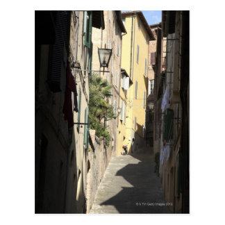 Schmale Gasse, Siena, Italien Postkarte