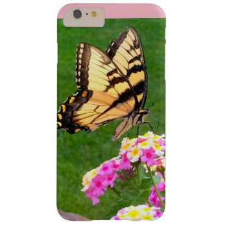 Schmetterling im Rosa Barely There iPhone 6 Plus Hülle