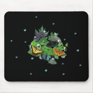 Schmetterlinge mit Blätter, Regentropfen, Perlen Mauspads