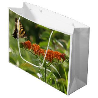 Schmetterlings-Nahaufnahme groß, glatte Große Geschenktüte