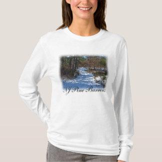 Schnee bedeckte Waldweg T-Shirt