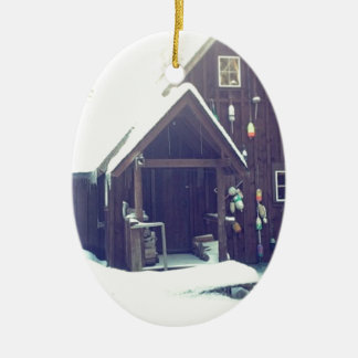 Schnee-Kabine in Maine Ovales Keramik Ornament