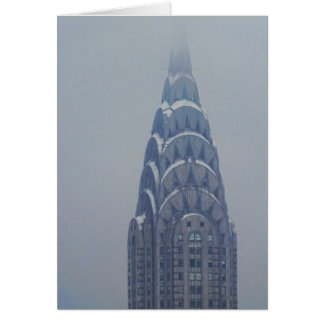 Schnee mit einer Kappe bedecktes Chrysler-Gebäude Karte