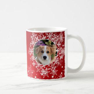 Schneeflocken am roten Feiertag Kaffeetasse