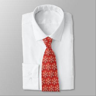 Schneeflocken auf rotem Hintergrund Personalisierte Krawatten