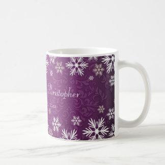 Schneeflocken und lila Damast-Hochzeit Tasse