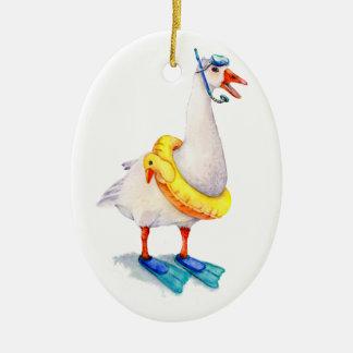 Schnorchelnde weiße Gans Ovales Keramik Ornament