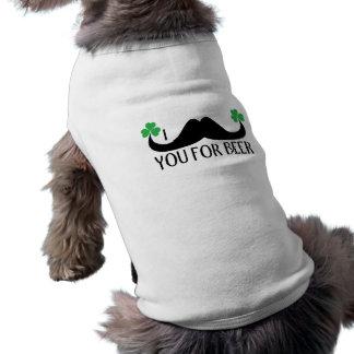 Schnurrbart Sie für Bier St- Patricktageskleehund T-Shirt