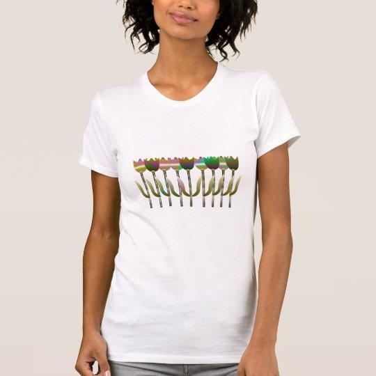 Schön, bunt, blumiger T - Shirt des Sommers