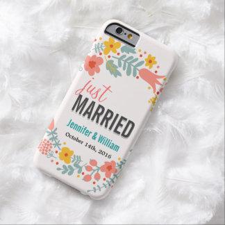 Schöne Blumengerade verheiratete Hochzeits-Feier Barely There iPhone 6 Hülle