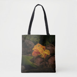 Schöne Gelb- und GoldBlume auf Tasche bauschen