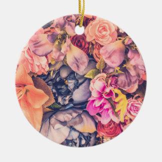 Schöne sortierte Blumenverzierung des Keramik Ornament