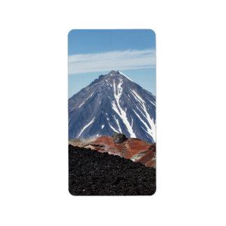 Schöne Vulkanlandschaft in Kamchatka. Russland Adressaufkleber
