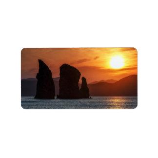 Schöner Meerblick: felsige Inseln am Adressaufkleber