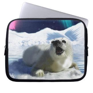 Schönes Baby-Harfen-Siegel und arktische Eis-Kunst Laptop Sleeve