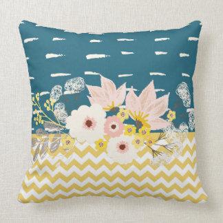 Schönes Blumenmarine-Gelb-weißes Zickzack Muster Kissen