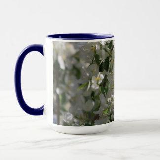Schönes Natur-Foto weißer Apple-Blüte Tasse