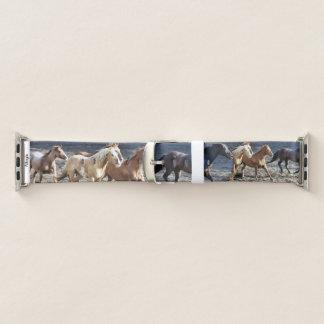 Schönes wilde Pferdelaufen Apple Watch Armband