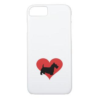 schottischer Terrier mit einem großen roten Herzen iPhone 8/7 Hülle