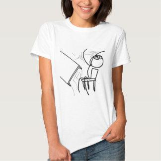 Schreibtisch drehen Raserei Meme um Shirts