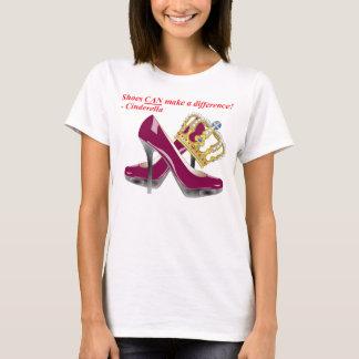 Schuhe KÖNNEN unterscheiden! - Aschenputtel T-Shirt