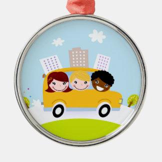 Schulkinder im gelben Bus Silbernes Ornament