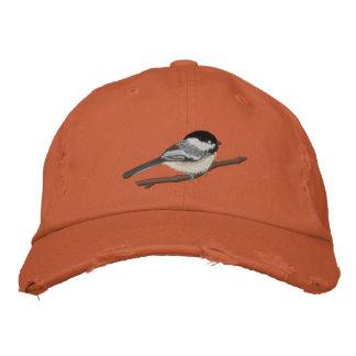 Schwarz-mit einer Kappe bedeckter Chickadee Bestickte Baseballcaps