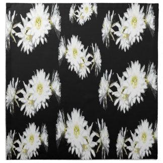 Schwarz-weißes Kaktus-Blumen-Neid-Muster, Serviette
