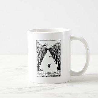 Schwarze Katze auf einer einsamen Hintergrafik Kaffeetasse