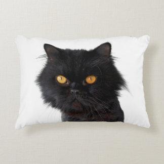 Schwarze persische Katze mit gelben Augen Zierkissen