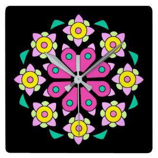 Schwarze rosa BlumenWanduhr Quadratische Wanduhr