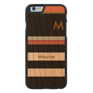 schwarze Streifen auf Holz mit Namen u. Initiale Carved® iPhone 6 Hülle Kirsche