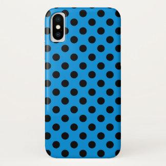 Schwarze Tupfen auf Himmelblau iPhone X Hülle