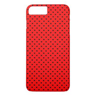 Schwarze Tupfen-Herzen auf rotem Hintergrund iPhone 7 Plus Hülle