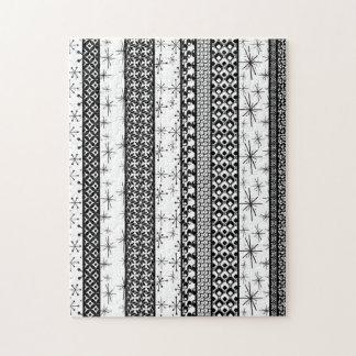 Schwarze u. weiße Retro Muster-Streifen 1