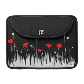 Schwarzer Hintergrund der roten Mohnblumen Sleeve Für MacBook Pro