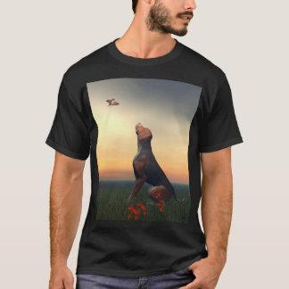 Schwarzer und tan Jagdhund und Vogel T-Shirt