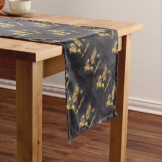 schwarzes Gelb der Weltkarte Kurzer Tischläufer