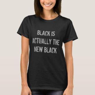 Schwarzes ist wirklich das neue schwarze Shirt