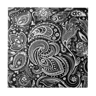 Schwarzes u. weißes Blumenpaisley-Muster Keramikfliese