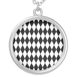 Schwarzes u. weißes Diamant-Harlekin-Muster Versilberte Kette