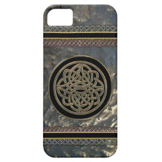 Schwarzes und Gold Metal keltischen Knoten auf iPhone 5 Schutzhüllen