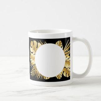 Schwarzes und Goldelegante tropische Kaffeetasse