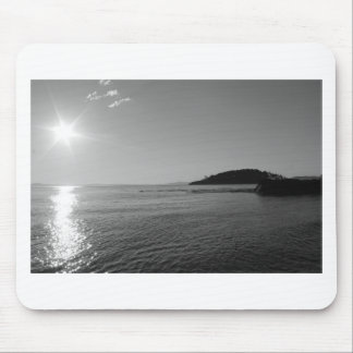 Schwarzweiss-Ozean-Sonnenuntergang