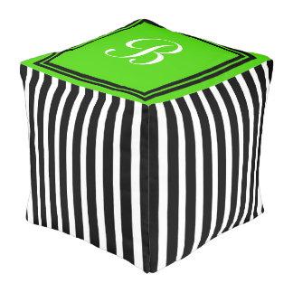 Schwarzweiss-Streifen mit hellgrünem Monogramm Kubus Sitzpuff